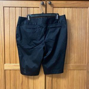 Women's Worthington Modern Fit Size 10 Black Color